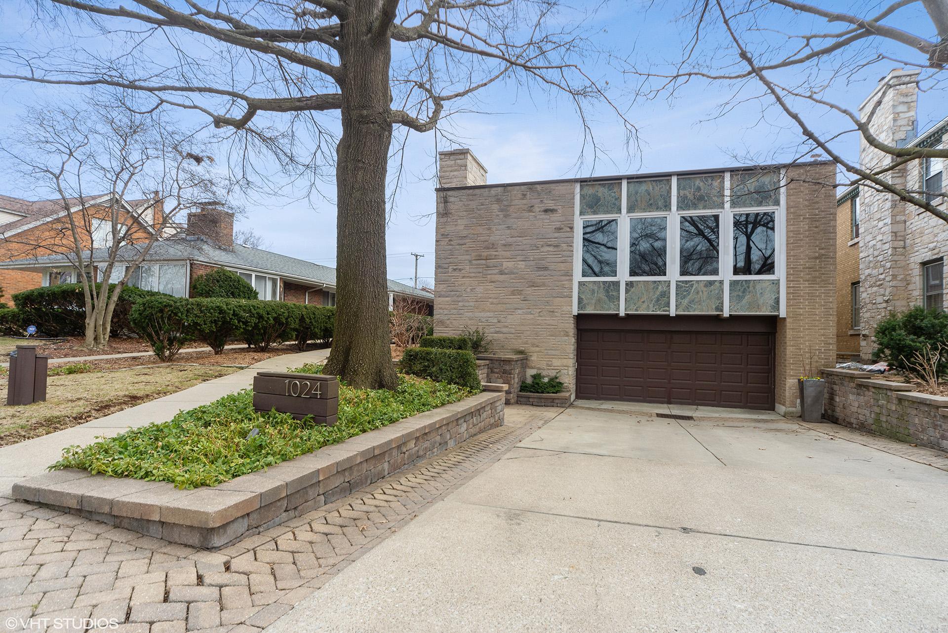 Economos Residence by John M. Considine in Oak Park