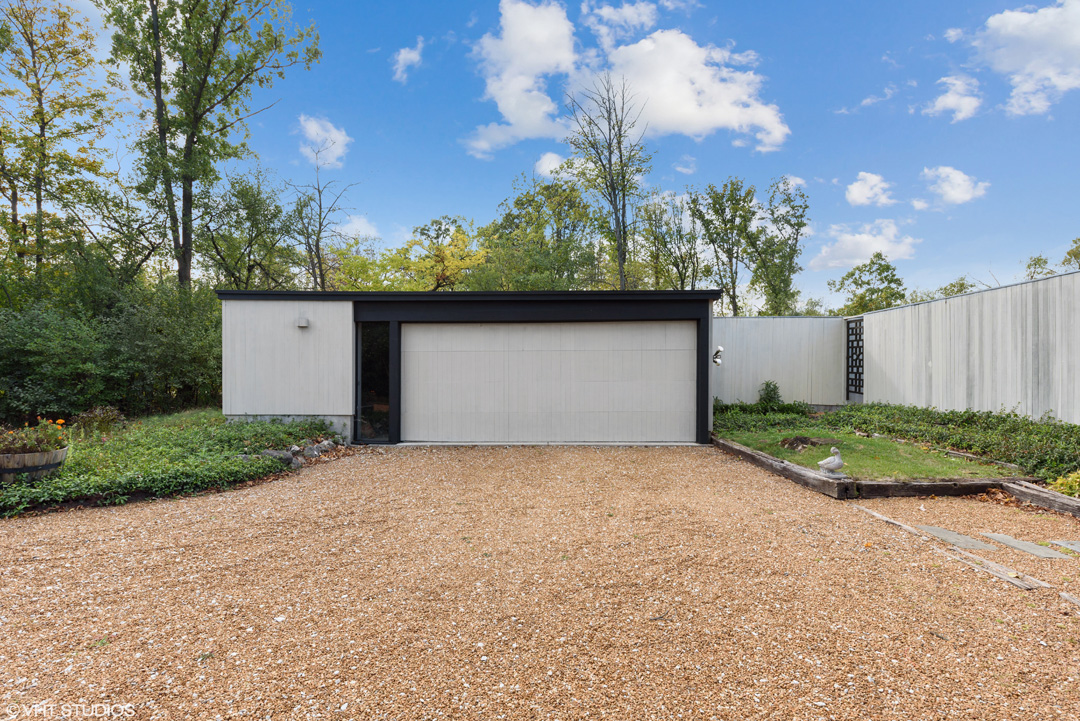 To arrange for a private showing of 2200 Stirling Road in Bannockburn, contact Lou Zucaro with Baird & Warner at 312.907.4085 or via email to lou@modernil.com