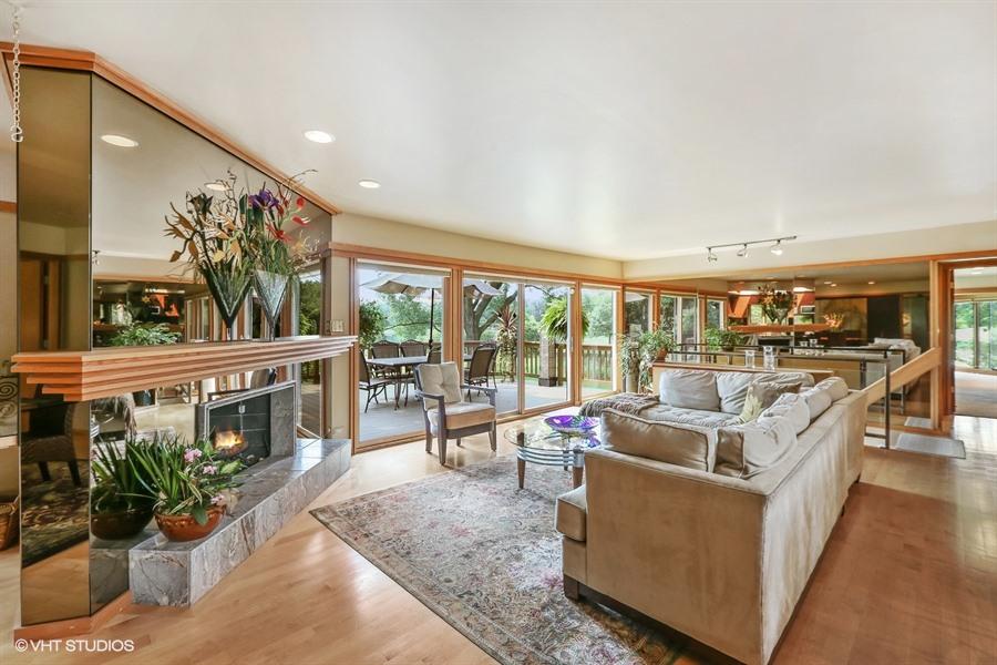 Living Room - 205 Frances Lane, Barrington, IL