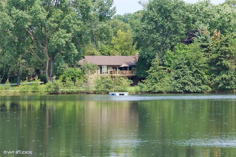 Lake View - 205 Frances Lane, Barrington, IL