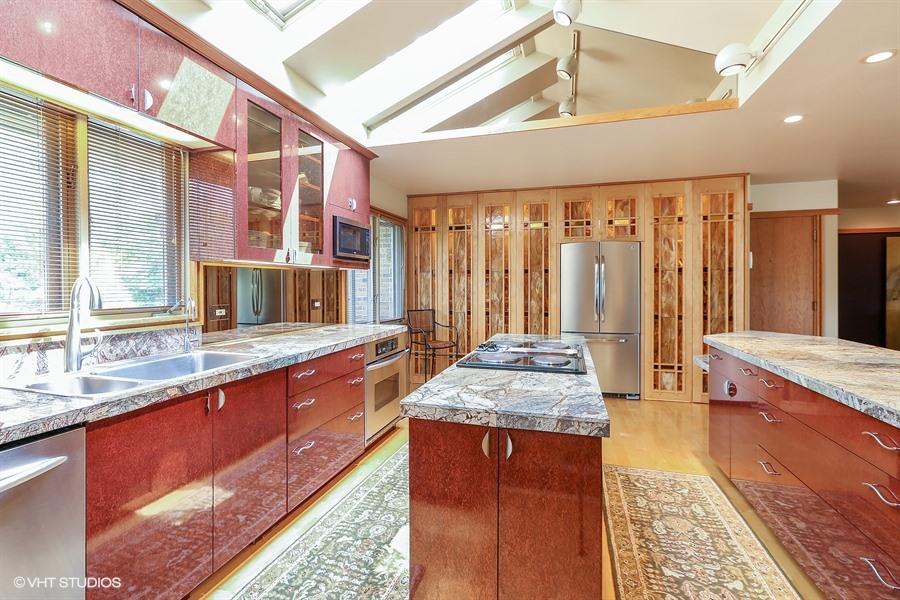 Kitchen - 205 Frances Lane, Barrington, IL
