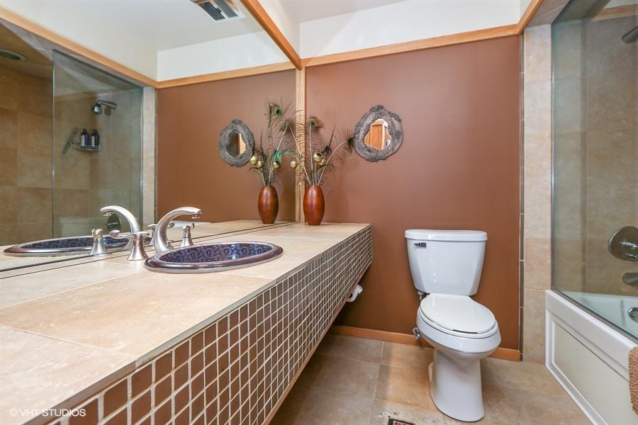 Bathroom - 205 Frances Lane, Barrington, IL