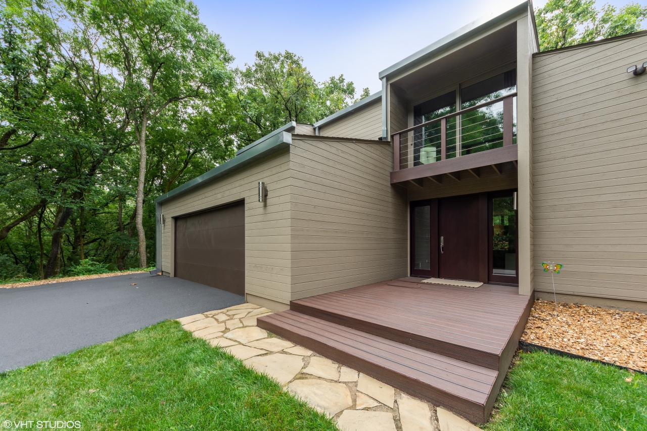 For questions or to schedule a private showing of 3 Wood Rock Rd in Barrington HIlls, designed by Dennis Blair, call Lou Zucaro at 312.907.4085 or send an email to lou@modernil.com