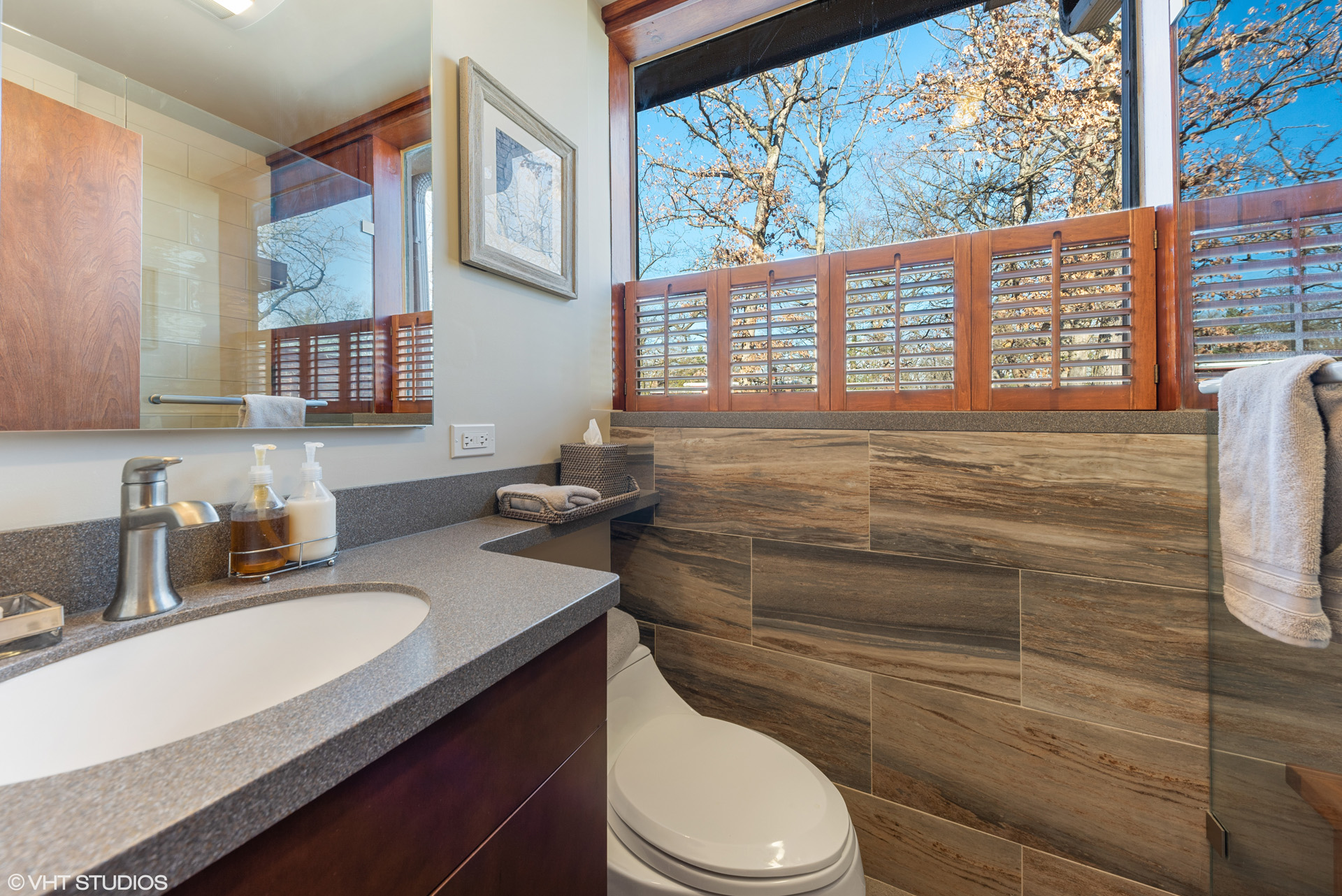 Call Lou Zucaro at 312.907.4085 or send an email to lou@modernil.com to arrange for a private showing of 4N151 Briar Ln in Bensenville