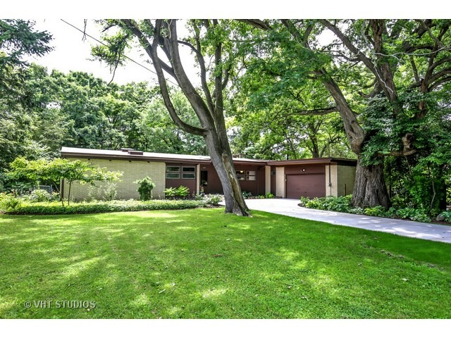 Gone Sophisticated Mid Century Ranch In Elgin Modern