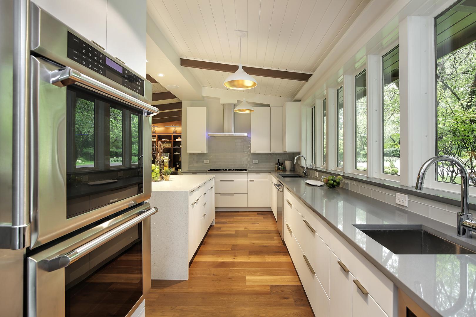 HD_1530226597267_kitchen2_229park