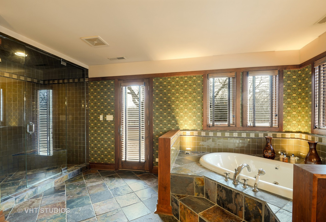 Contact Lou Zucaro at 312.907.4085 or via e-mail at lou@modernil.com to arrange for a private showing