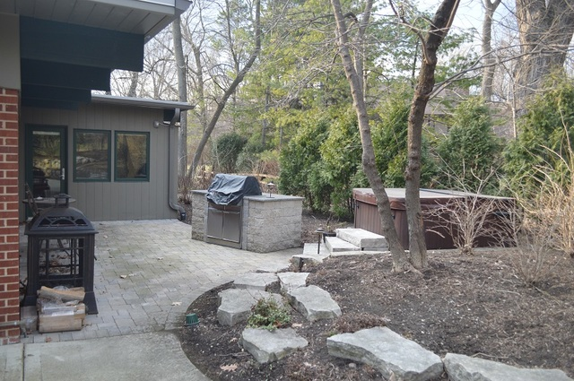 To schedule a private showing of this home, contact Lou Zucaro at 312.907.4085 or lou.zucaro@bairdwarner.com