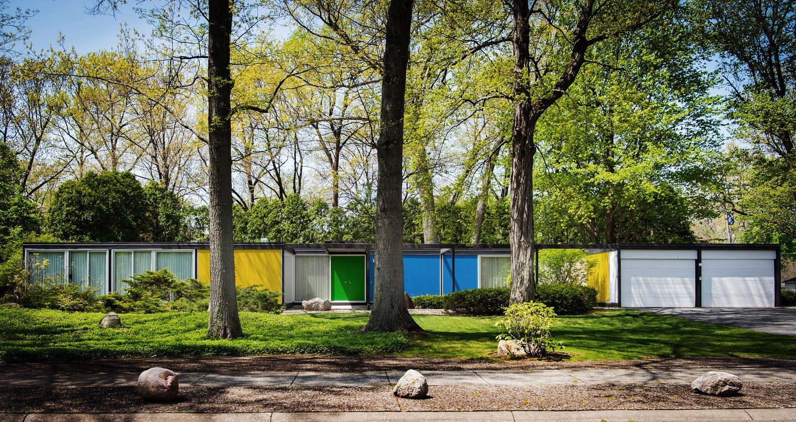 Road trip michigan city in dwell article on a for Mid century modern prefab homes