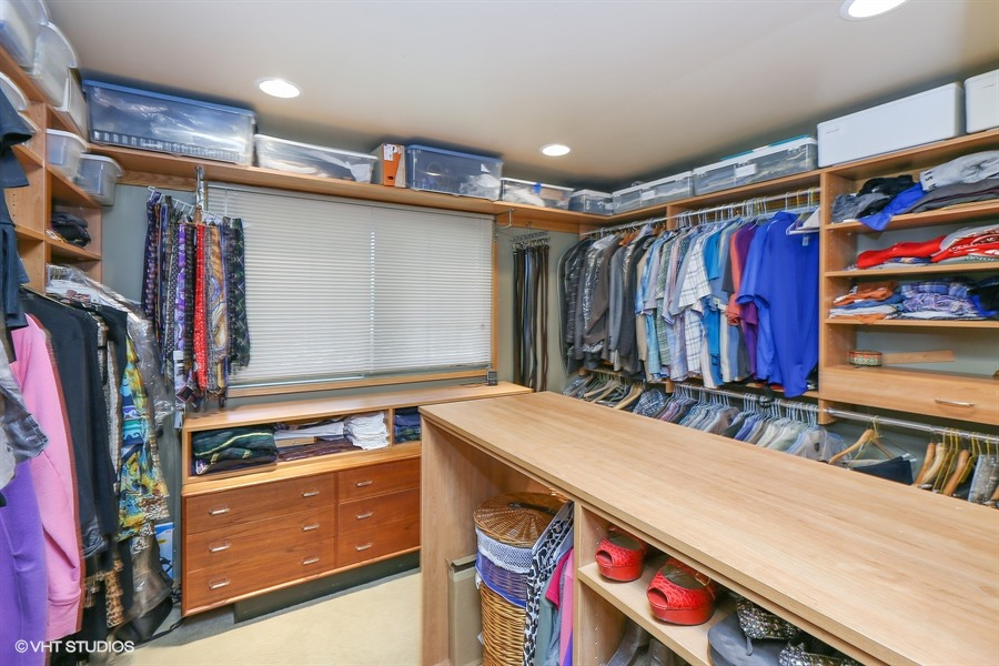 Master Closet - 205 Frances Lane, Barrington, IL