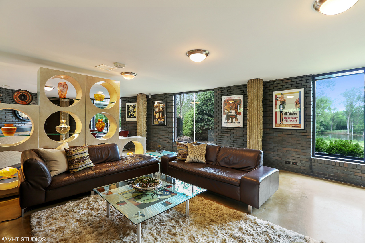 22462 N Bertha Lane in Barrington. Listed by Lou Zucaro of Baird & Warner. Call 312.907.4085 for more information.