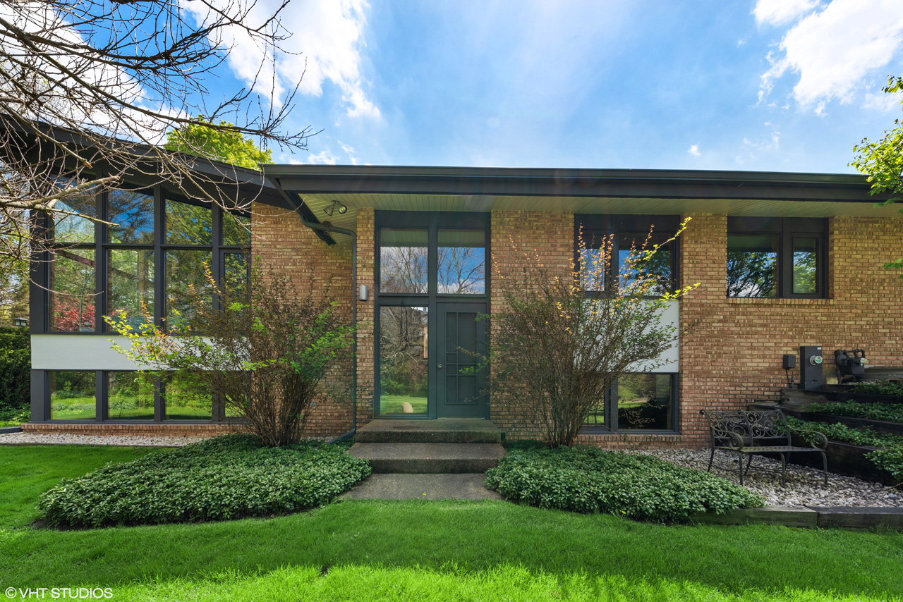 Closed at $825,000 on July 24, 2020