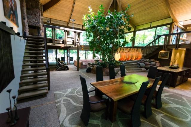 Dennis Stevens - Riverwoods - Dining Room
