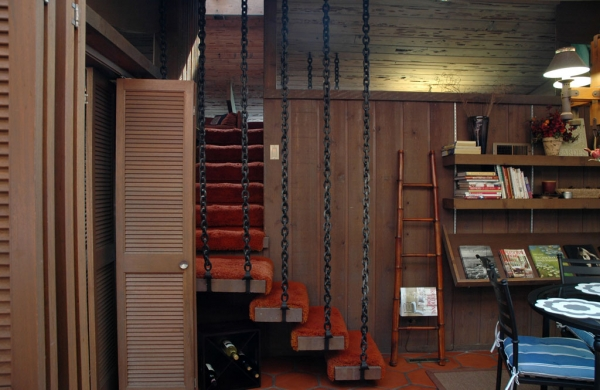 Using chains to hold things up is something you'll find in a lot of Erickson & Stevens designs