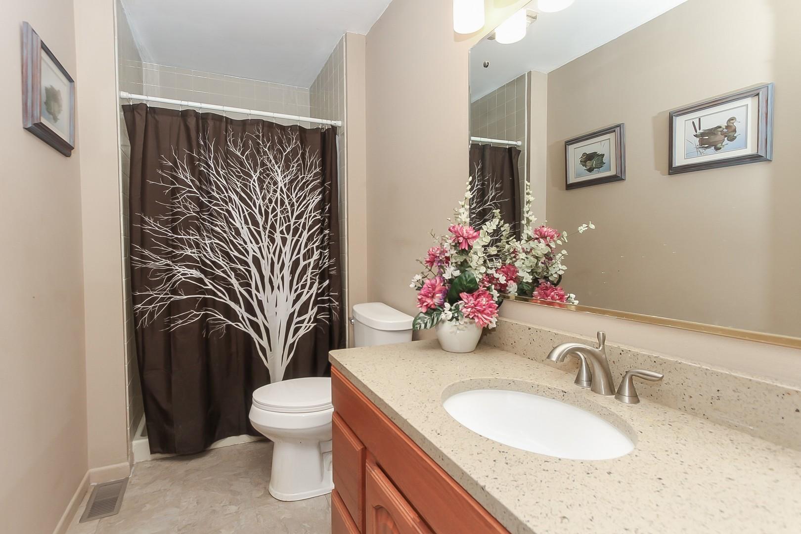 HD_1602872590472_025_Bathroom_3