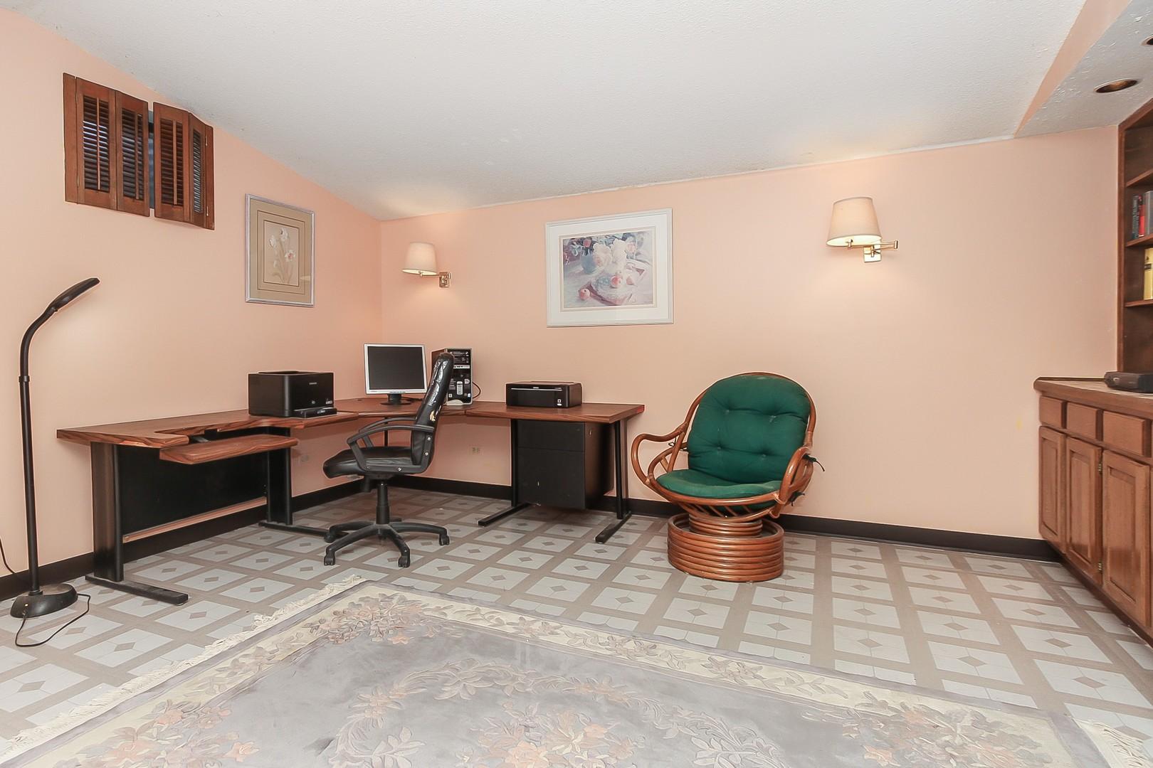 HD_1602872599203_030_Office