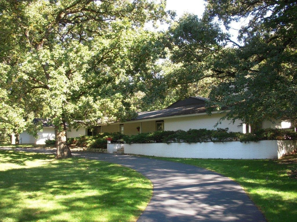 3335 Prairie Wind Rd, Long Grove - Call Lou Zucaro at 312.907.4085 or send an e-mail to lou@modernil.com today to arrange for a private showing