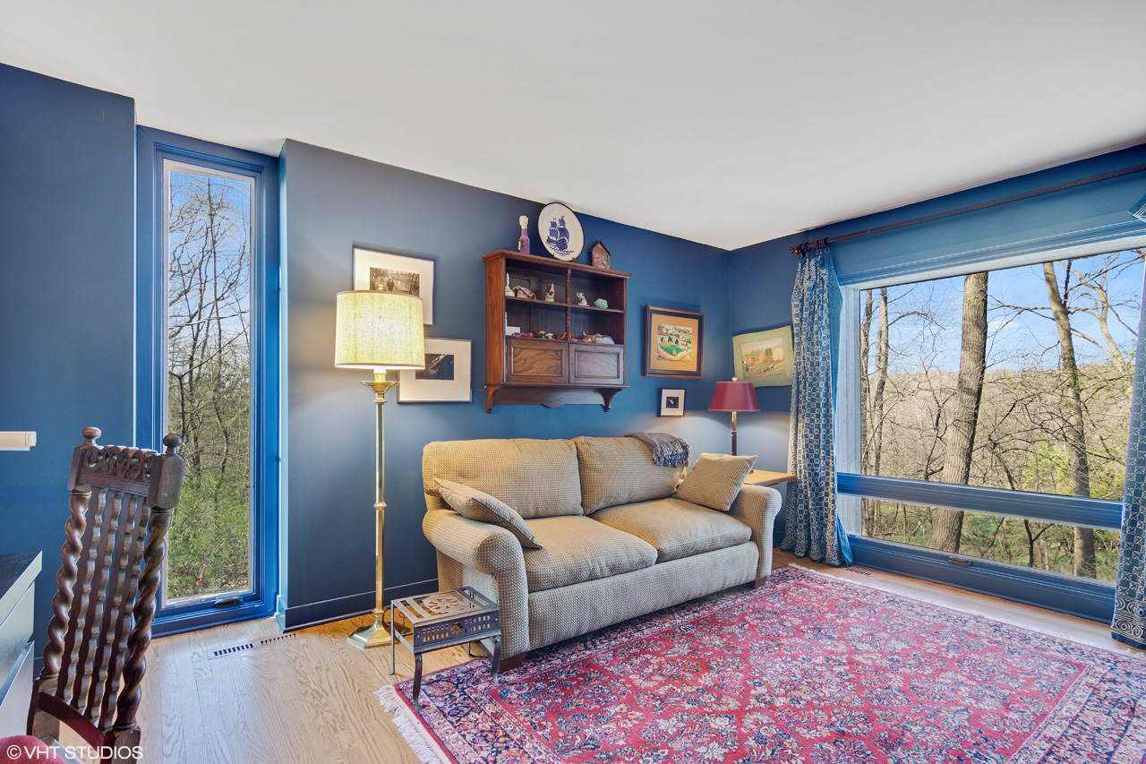 Call Lou Zucaro at 312.907.4085 or send an e-mail to lou@modernil.com to set up a private showing today