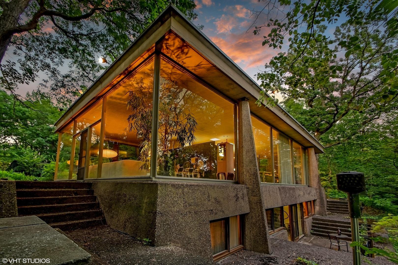 Modern Homes for Sale - Modern Illinois on Modern Glass Houses  id=80439