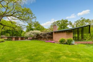 Frank Lloyd Wright's Incredible Usonian Glore House in Lake Forest